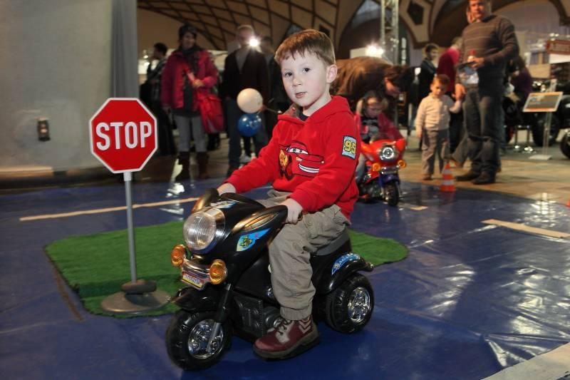 Motocykl 2013 - Kam s dětmi v Praze